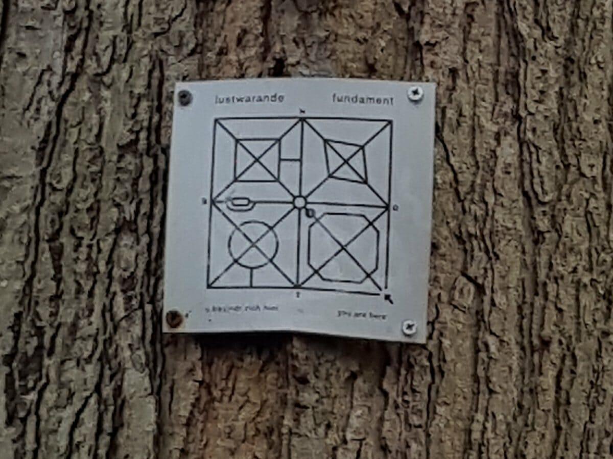 Oude Warande, kleine plattegrond Lustwarande tegen eik